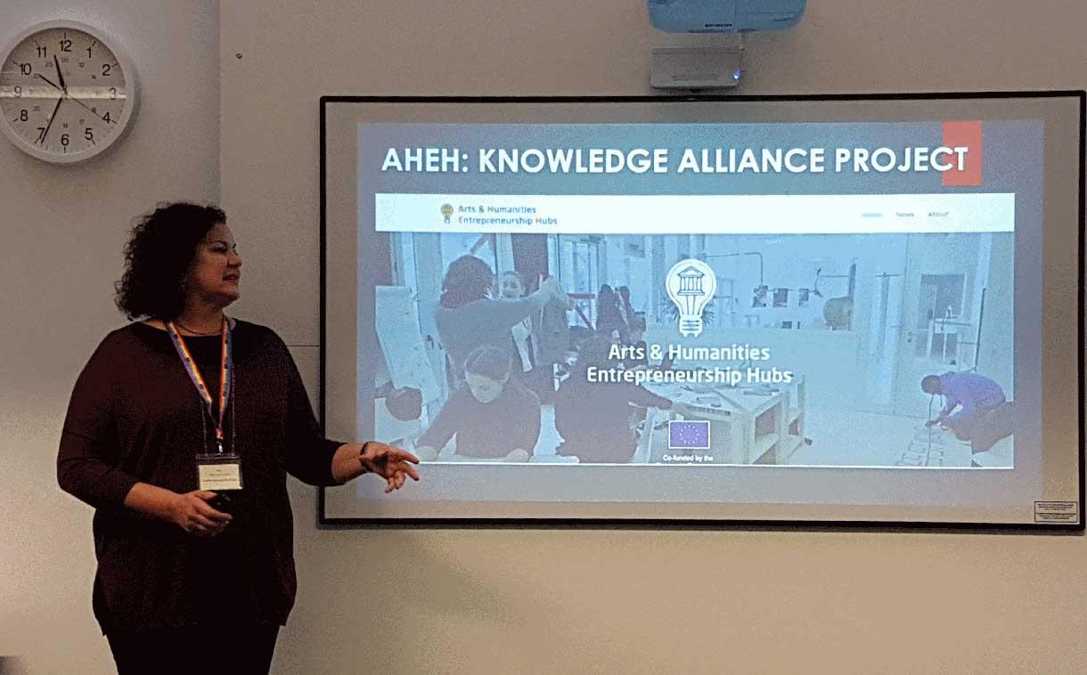 Carmen Santamaría presenting the AHEH project